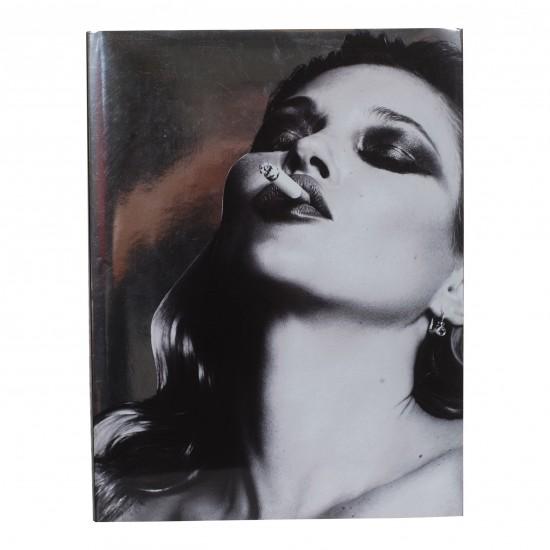 Mert Alas & Marcus Piggott erotiske fotos udgivet af Tashen