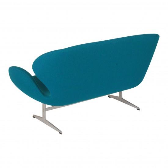 Arne Jacobsen Svane sofa, i originalt grøn Hallingdal stof