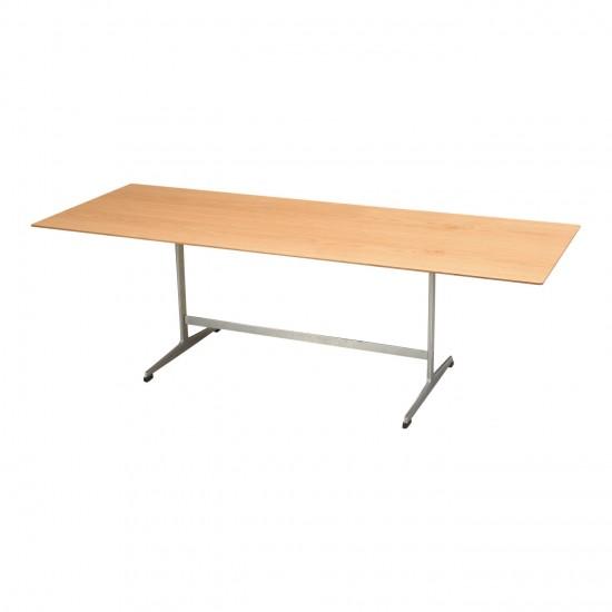 Arne Jacobsen Sofabord med ny renoveret plade af eg