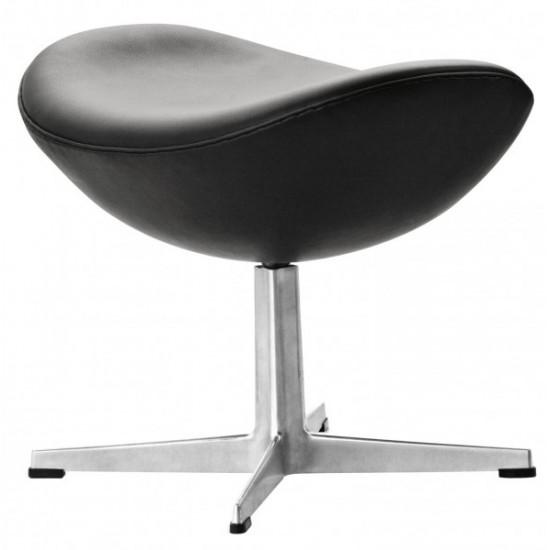 Arne Jacobsen. Ægget. Skammel betrukket med sort anilin læder