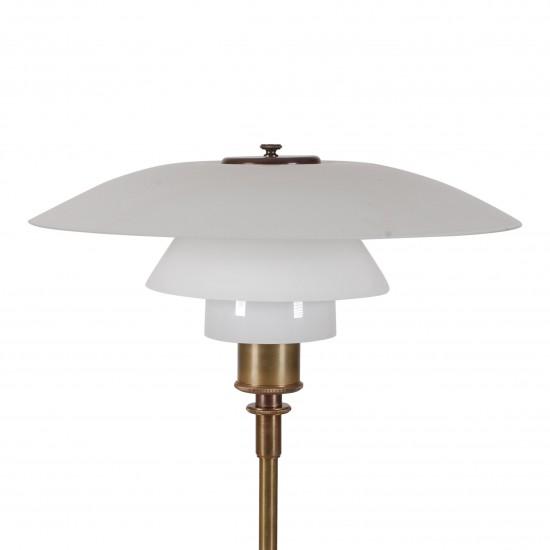 Poul Henningsen. PH 4/3 bordlampe med stel af bruneret messing