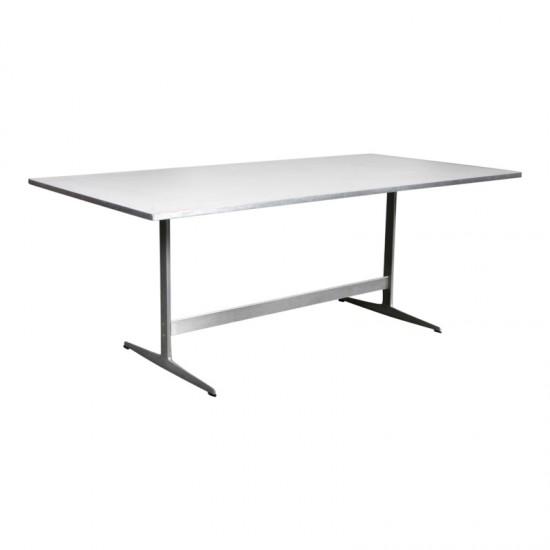 Arne Jacobsen Shaker Spisebord/skrivebord med plade af hvid laminat med metal kant