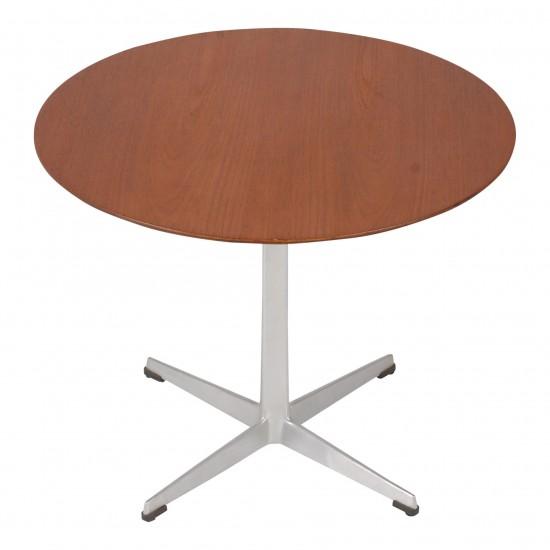 Arne Jacobsen sofabord udført i teaktræ