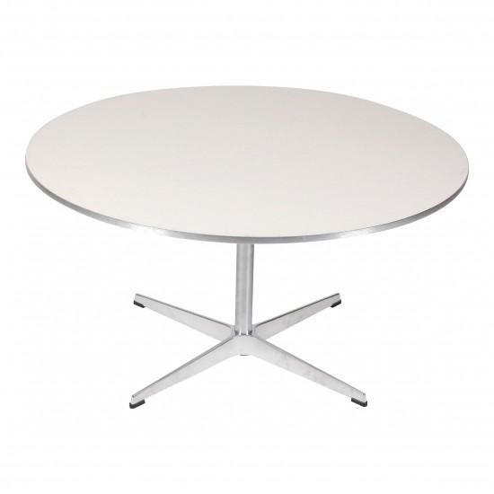 Arne Jacobsen sofabord med Hvid laminat med metal kant Ø: 90 cm