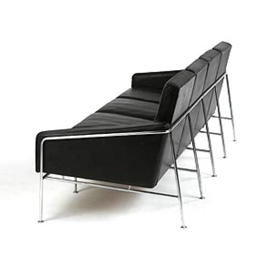 Arne Jacobsen 3pers. Lufthavnssofa i sort læder
